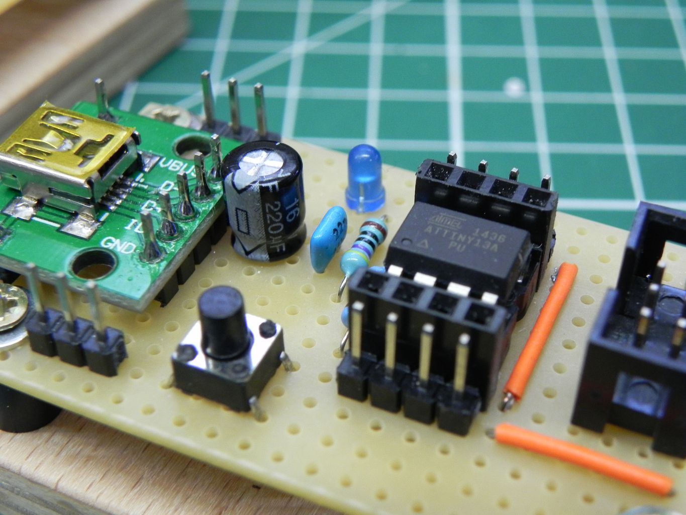 Breakout board for 8-pin ATtiny microcontrollers