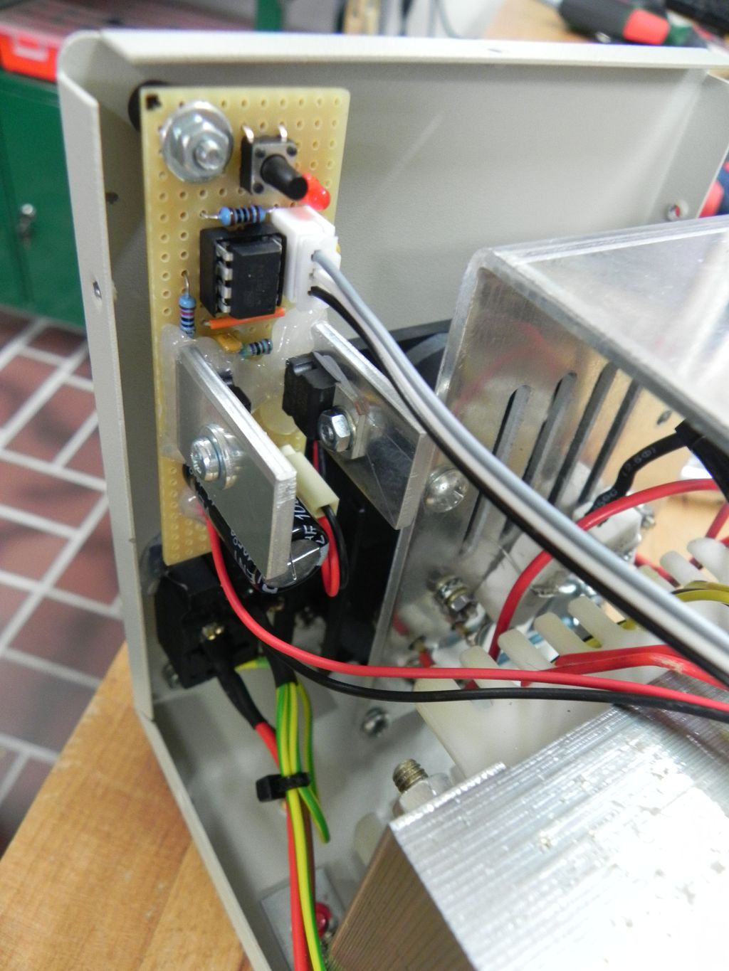 Fan-controller for the APS 3005D bench power supply
